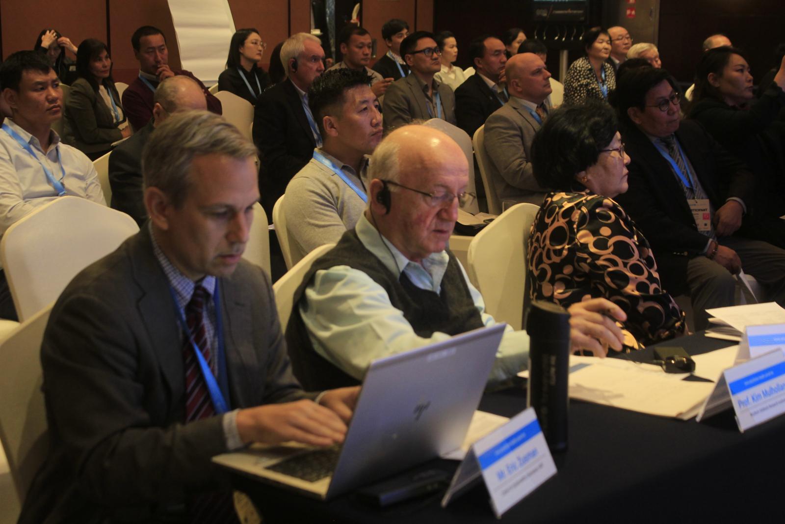 Азийн эрдэмтэд, бодлого тодорхойлогчид агаарын бохирдлын асуудлаар Улаанбаатар хотод чуулж байна